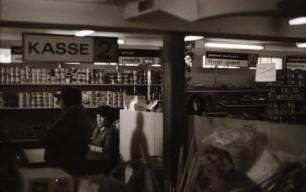 Fra supermarkedet i Qullissat. 1964-1970. Foto: Bo Thuesen